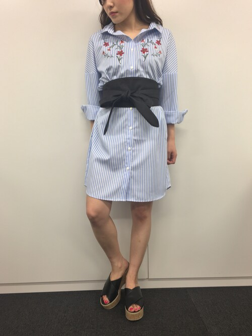 FREE'S MART HEAD OFFICEFREE'S MARTさんのシャツワンピース「刺繍ストライプシャツワンピース(FREE'S MART|フリーズマート)」を使ったコーディネート
