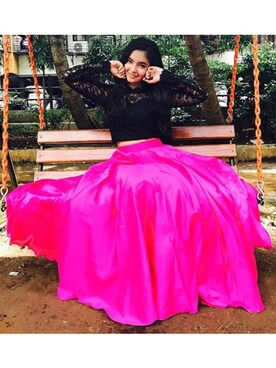 Anushka Sen is wearing whatsinofficial