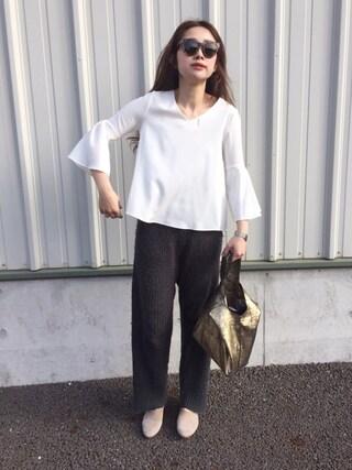 ぺこさんの「【CLASSY.コラボ】ベルスリーブブラウスxスリットタイトスカートSET(TONAL|トーナル)」を使ったコーディネート