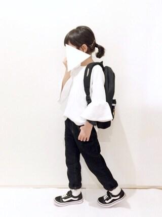 yuuunaさんのTシャツ/カットソー「袖フレア長袖Tシャツ(petit main|プティマイン)」を使ったコーディネート