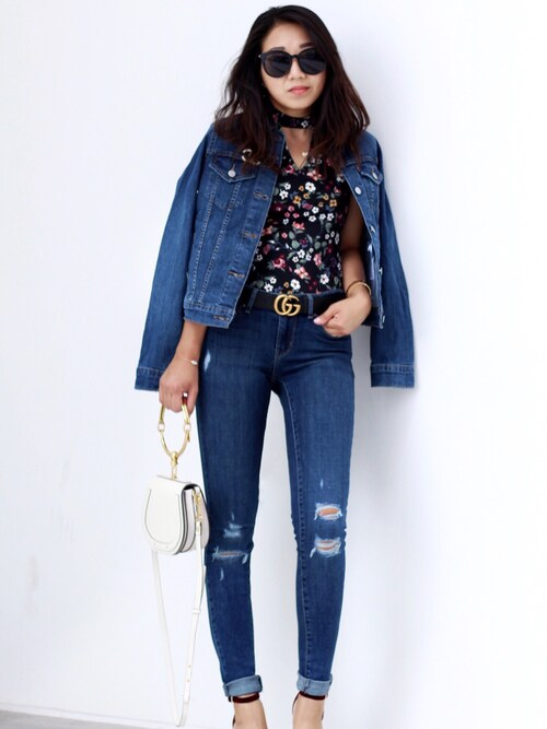 (Levi's) using this Sheree looks