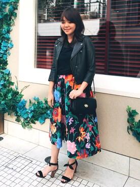 ikumiさんの「マルチフラワースカート(GRACE CONTINENTAL|グレースコンチネンタル)」を使ったコーディネート