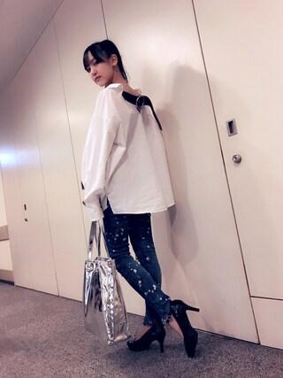 飯窪春菜さんの「SUPER NOVA #SHIRTS バックベルトシャツ(made in HEAVEN|メイド イン ヘブン)」を使ったコーディネート