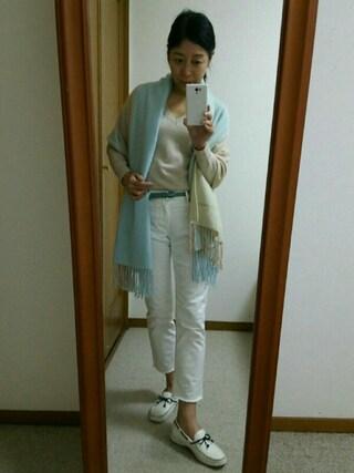 Yurikoさんの「ウールカシミア混Vネックニット・セーター(SISLEY|シスレー)」を使ったコーディネート