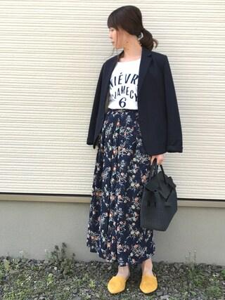 IKUmamaさんの「フロッキーNIEVRE L/S Tシャツ。(IENA SLOBE|スローブイエナ)」を使ったコーディネート