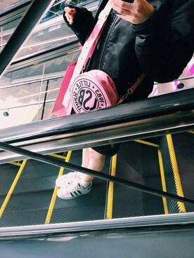 勝田里奈さんの(adidas|アディダス)を使ったコーディネート