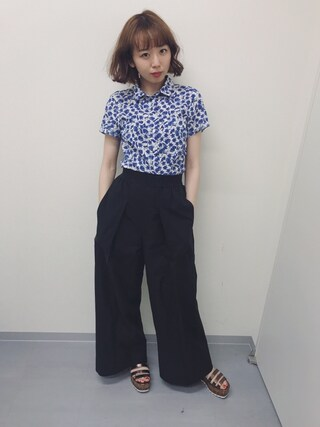 勝田里奈さんの「WOMEN オックスフォードワイドパンツ+E(ユニクロ|ユニクロ)」を使ったコーディネート