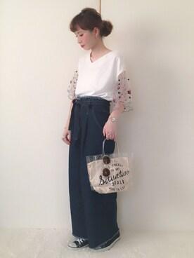 Alice*さんの「袖チュール刺繍プルオーバー(PAGEBOY|ページボーイ)」を使ったコーディネート