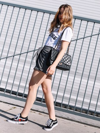「Sub_Urban Riot Good Vibes Graphic T-Shirt(Sub Urban Riot)」 using this Erin Grey looks