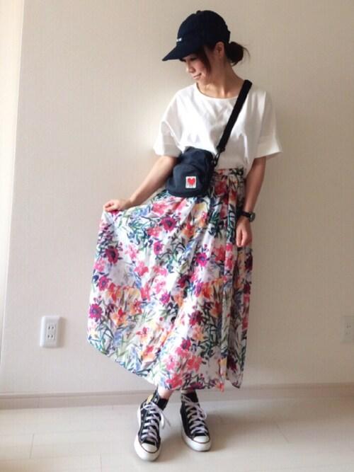 chakoさんの「綿シルク花柄タックミディースカート (TRUNO by NOISE MAKER)」を使ったコーディネート