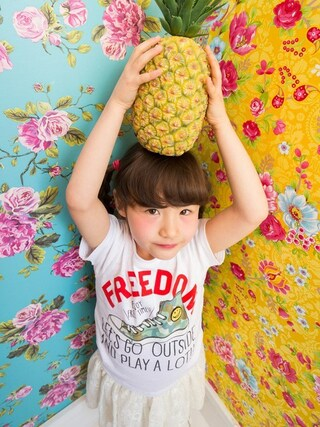 F.O.Online Store|F.O.OnlineStoreさんの「ネット限定スニーカーTシャツ(BREEZE|ブリーズ)」を使ったコーディネート