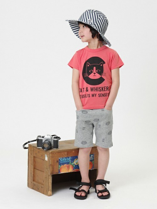 F.O.OnlineStoreさんの「アニマルアルファベット半袖Tシャツ(apres les cours)」を使ったコーディネート