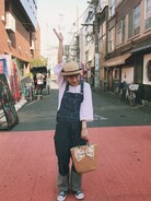幡ヶ谷のPALETOWNという古着屋さんでよく古着を買っています!