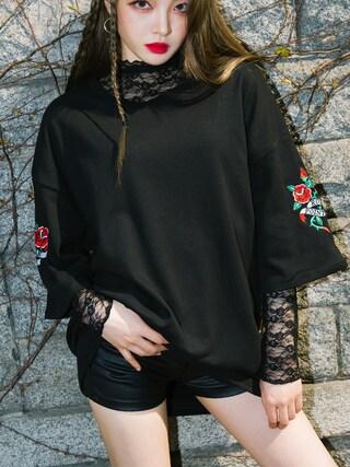 mixxmix|mixxmixさんの「ローズ刺繍スリーブポイントTシャツ(mixxmix)」を使ったコーディネート