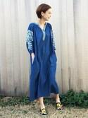 kawanishiさんの「デニム刺繍ワンピース(GRACE CONTINENTAL|グレースコンチネンタル)」を使ったコーディネート