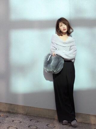 舟山久美子♡くみっきーさんの「ケーブルオフショルニット(MICOAMERI ミコアメリ)」を使ったコーディネート