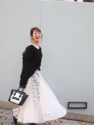 舟山久美子♡くみっきーさんの「バックリボンシャギーニット(MICOAMERI ミコアメリ)」を使ったコーディネート