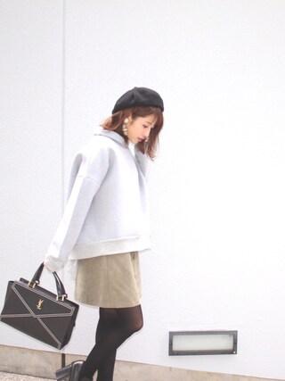 舟山久美子♡くみっきーさんの「ボトルネックバックチュールプルオーバー(MICOAMERI ミコアメリ)」を使ったコーディネート