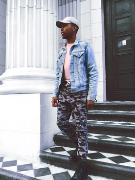 (H&M) using this Ajay looks