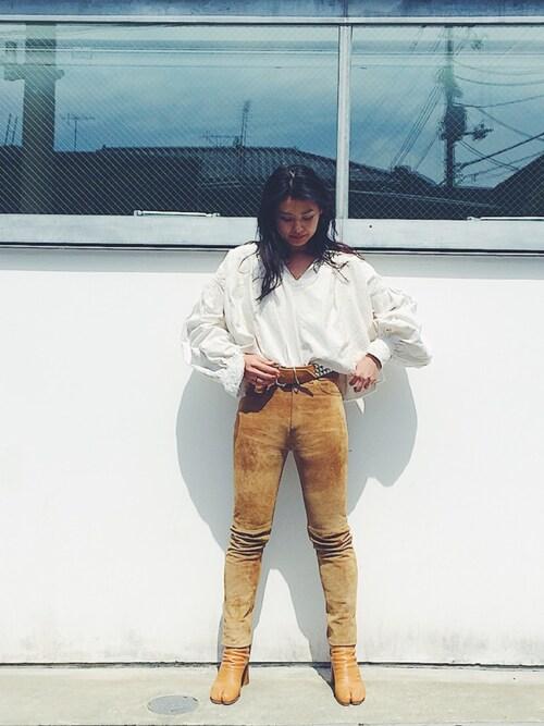 NABEさんの「HIGH WAIST SKINNY SUEDE PANTS ハイウエストスキニースエードパンツ(HOLIDAY)」を使ったコーディネート