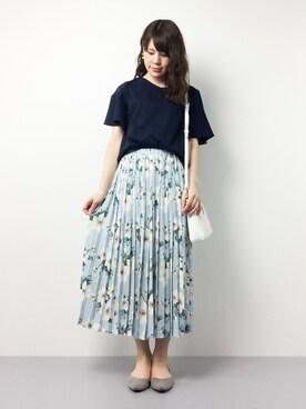 ZOZOTOWN|natsumiさんの「フラワープリーツスカート(MODE ROBE|モードローブ)」を使ったコーディネート