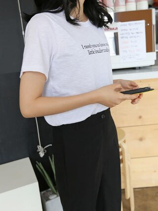 Daily about|DAILYABOUTさんの「ラウンドネックレタリングプリント半袖Tシャツ(P0000WTP)(Dailyabout|デイリーアバウト)」を使ったコーディネート