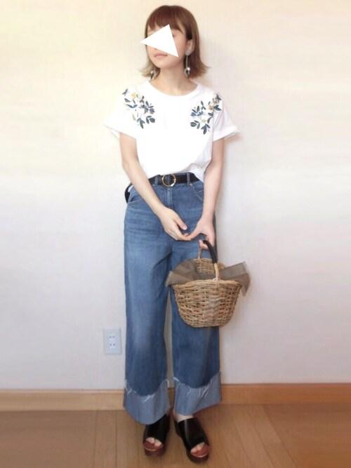 chicchimoさんの「UR 配色刺繍Tシャツ(URBAN RESEARCH)」を使ったコーディネート