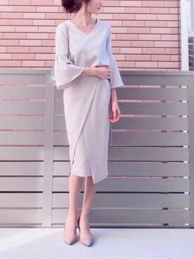 hononさんの「【CLASSY.コラボ】ベルスリーブブラウスxスリットタイトスカートSET(TONAL|トーナル)」を使ったコーディネート