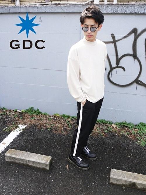 GDCTOKYO -HARAさんの「HIGH NECK KNIT(GDC)」を使ったコーディネート
