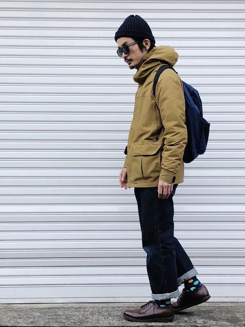 青ニット帽×マウンテンジャケット×デニムパンツ 画像1