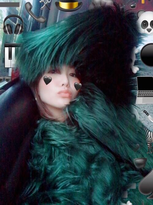 小竹麻美さんの「シャギーFファーコート(FIG&VIPER)」を使ったコーディネート