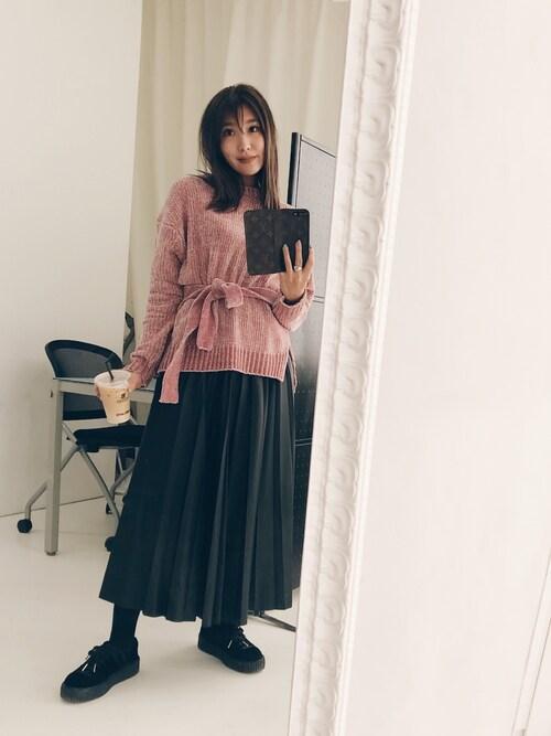 小竹麻美さんの「モンゴルニットプルオーバー(ELENDEEK)」を使ったコーディネート