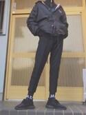 間 黒男さんの「イージーアンクルパンツ(ウールライク・センタープレス・レングス68~72cm)(ユニクロ)」を使ったコーディネート