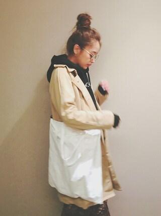 近藤千尋さんの「オーバーフードパーカー(EMODA|エモダ)」を使ったコーディネート