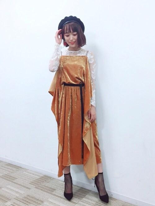 近藤千尋使用「LE CIEL BLEU(ジョーゼットフルイドドレス)」的時尚穿搭