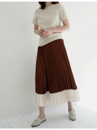 holicholic|holicholicさんの「配色ポイントプリーツスカート」を使ったコーディネート