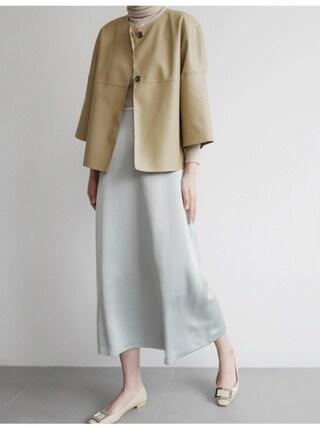 holicholic holicholicさんの「グロッシーAラインロングスカート」を使ったコーディネート