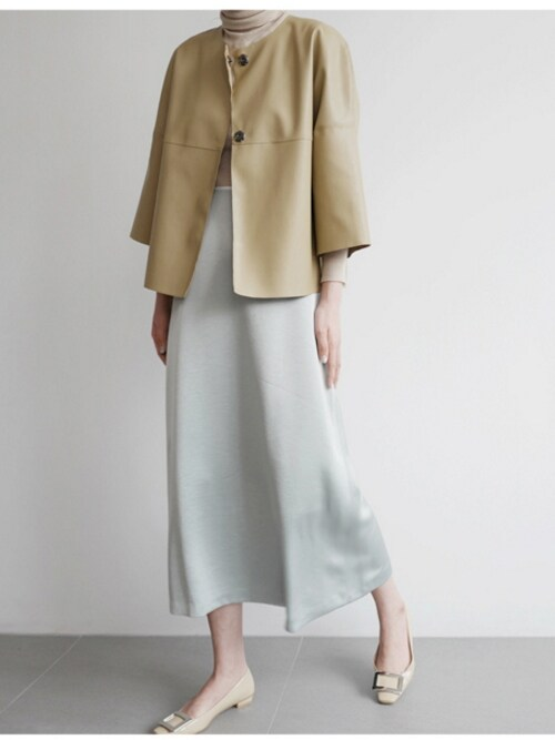 holicholicさんの「グロッシーAラインロングスカート」を使ったコーディネート