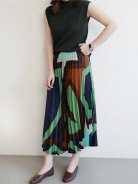 holicholicさんの「カラフルプリーツスカート」を使ったコーディネート