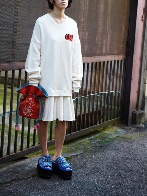 PAMEO POSEさんの「【予約】OLE!SWEAT DRESS(PAMEO POSE)」を使ったコーディネート