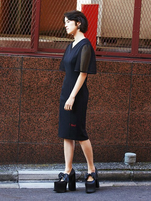 PAMEO POSEさんの「【予約】FISHNET SLEEVE JERSEY DRESS(PAMEO POSE)」を使ったコーディネート