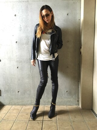 土屋アンナさんの「ACT GIRLSロゴTシャツ(ACT GIRLS|アクトガールズ)」を使ったコーディネート
