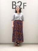 sayuri maedaさんの「プリーツヘムフレアスカート(ADAM ET ROPE'|アダム エ ロペ)」を使ったコーディネート