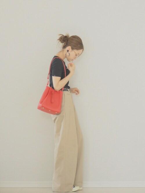 田中亜希子さんの「ALEXANDRINE BIJOUX ECAILLE 50 イヤリング(IENA)」を使ったコーディネート