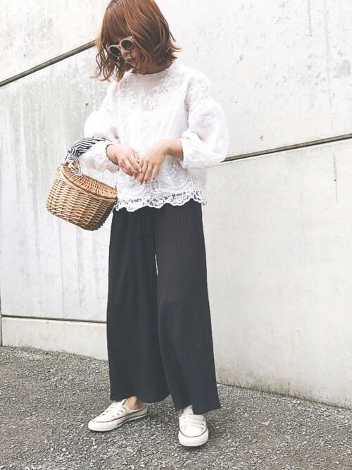 MIYABIさんの「オーガンジー刺繍バルーントップス(PAGEBOY)」を使ったコーディネート