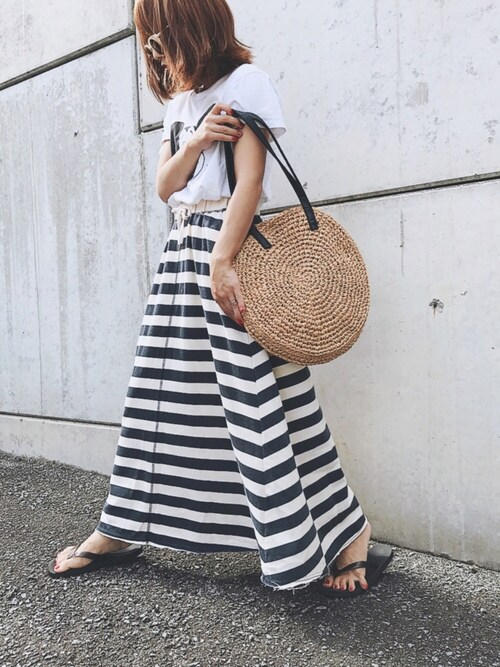 MIYABIさんの「ディズニープリントTシャツ半袖 Women/750083(GLOBAL WORK)」を使ったコーディネート