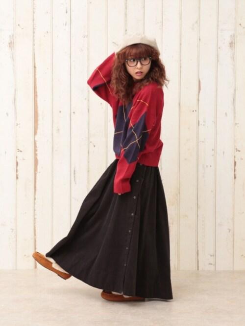 赤アーガイルセーター+黒スカートの甘辛ミックスコーデ♡