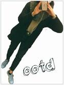 Y○さんの「カットオフスリムデニムパンツ(AZUL by moussy|アズールバイマウジー)」を使ったコーディネート