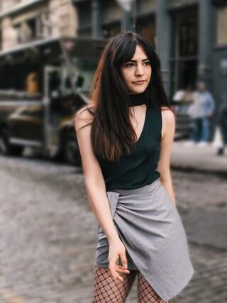 (ZARA) using this Monica Neary looks