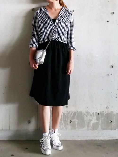 SHOさんの「2WAYカバーフレアスカート(MURUA)」を使ったコーディネート